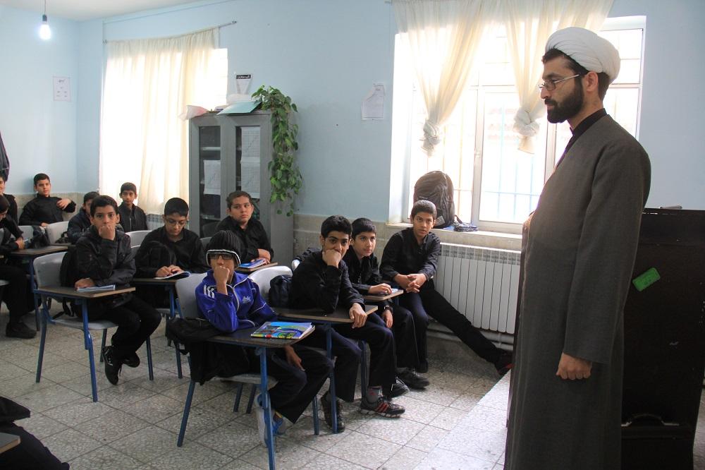 محرم 93 حضور مبلغان در مدارس