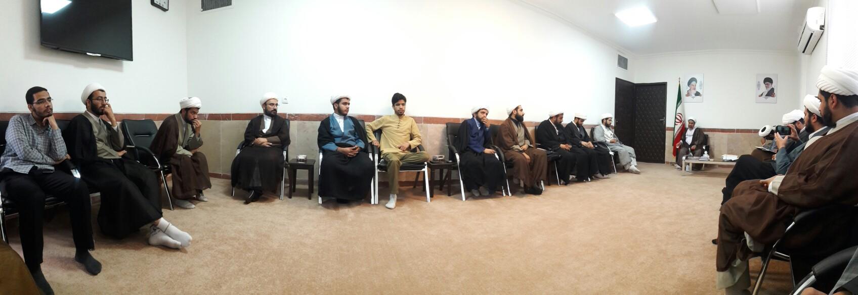 گزارش تصویری دیدار مبلغان موسسه شهیدین با حجه الاسلام علیدادی نماینده ولی فقیه در استان کرمان