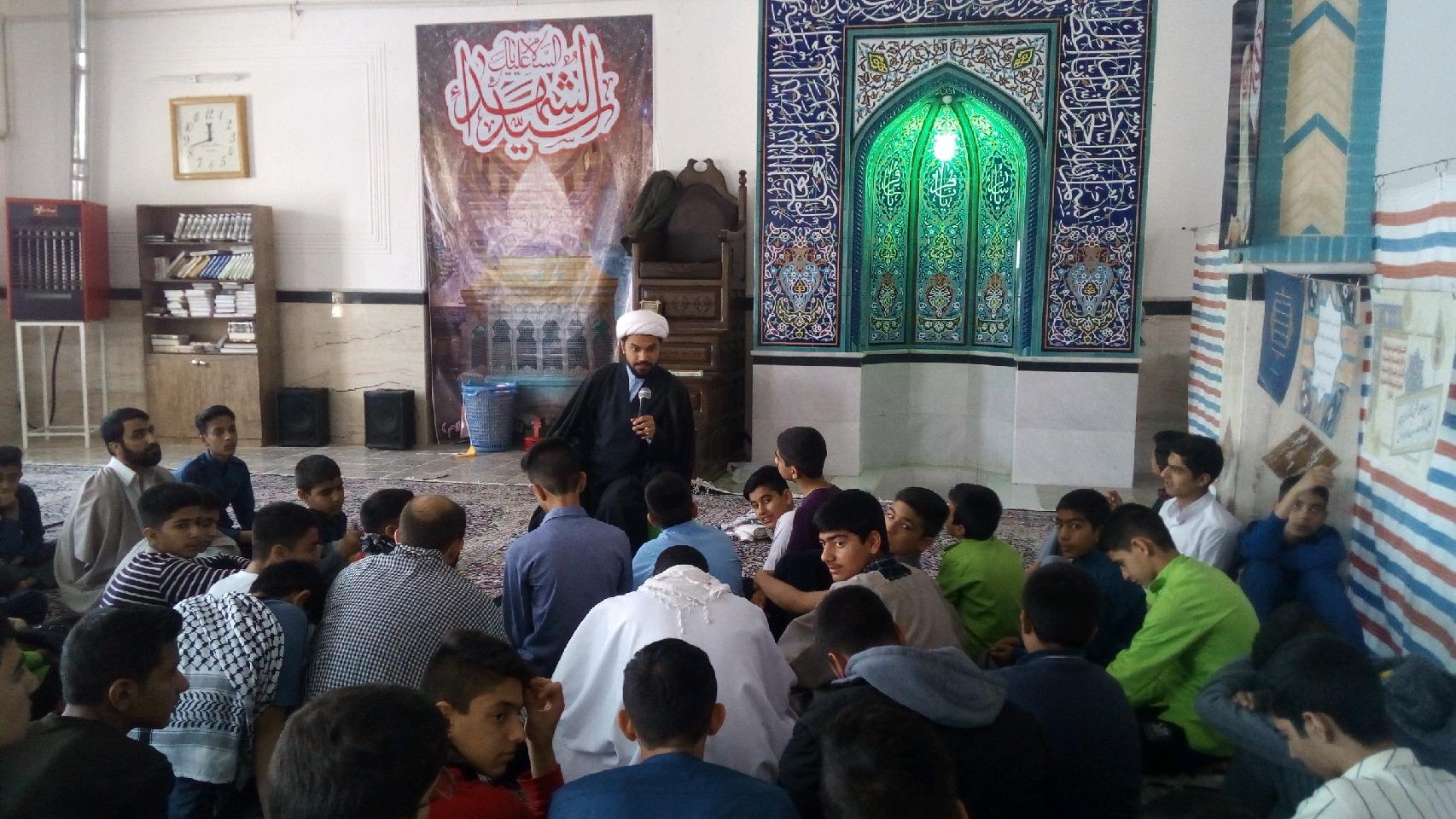 گزارش تصویری فعالیت فرهنگی تبلیغی موسسه شهیدین در اعتکاف 98 شهر کرمان